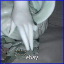 AWESOME Vintage GEISHA GIRL Hand Painted Porcelain STATUE/FIGURINE 15 Tall