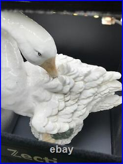 Beautiful Kaldun & Bogle Goose Ceramic Porcelain Tall Figurine Hand Painted