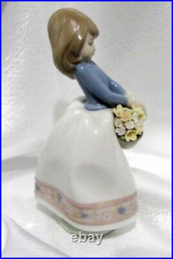 Lladro 5467 Hand Painted Porcelain May Flowers Girl Blue Top 6.75 Tall