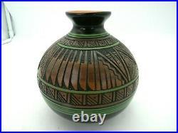 Paul Lansing Navajo Hummingbird Vase Hand Engraved Painted Signed 5 tall
