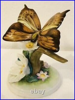 VTG Herend Hungary Handpainted Butterfly with Daisy Flowers 9301 Figurine 4½ Tall
